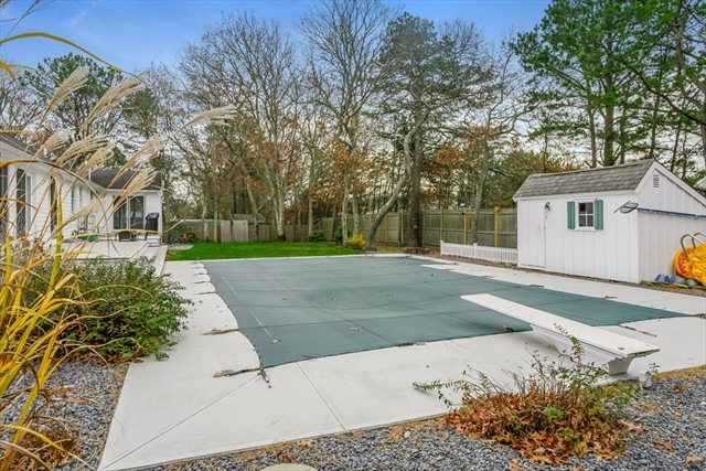 31 Friends Lane Dennis MA 02641
