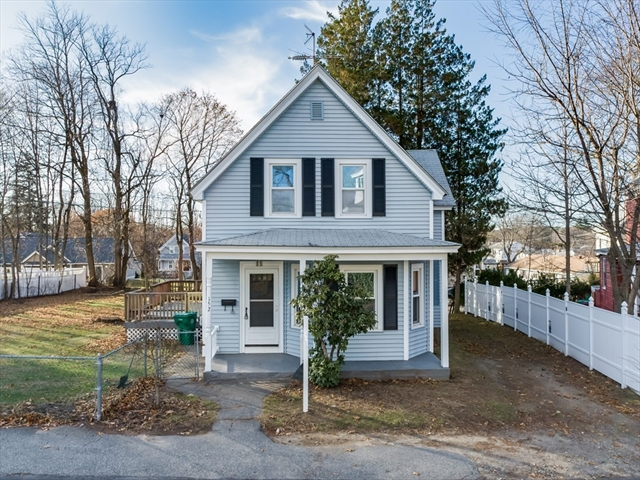152 Bedford Avenue Lowell MA 01854