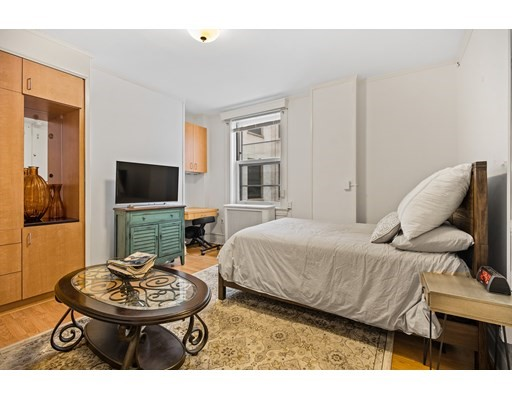 Pictures of  property for rent on Beacon St (NO BROKER FEE), Boston, MA 02108