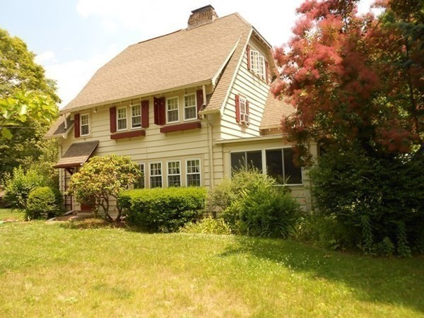 37 Hillside Avenue Bedford MA 01730