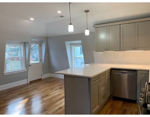 2 Beds, 1 Bath home in Boston for $384,000