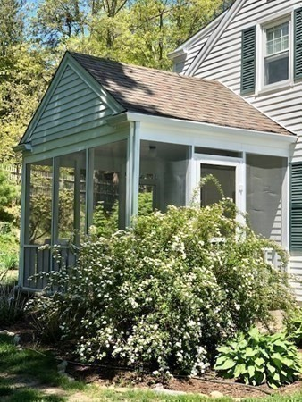 61 Cliff Street Plymouth MA 02360