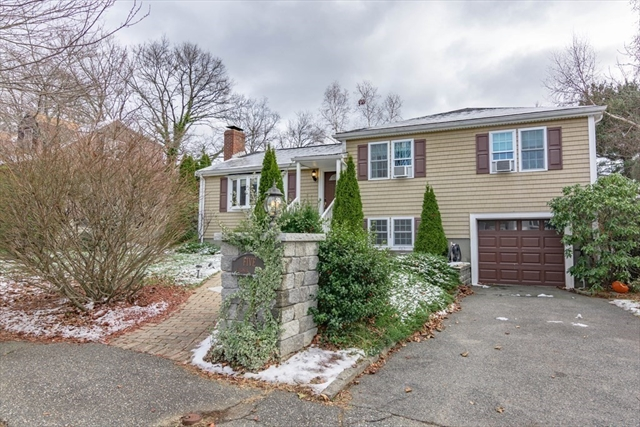 5 Colonial Road Beverly MA 01915