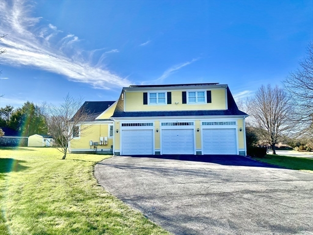 2 Highbridge Lane Dartmouth MA 02748