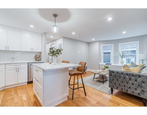 4 Beds, 4 Baths home in Boston for $949,000