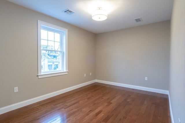 27 Oak Street Needham MA 02492