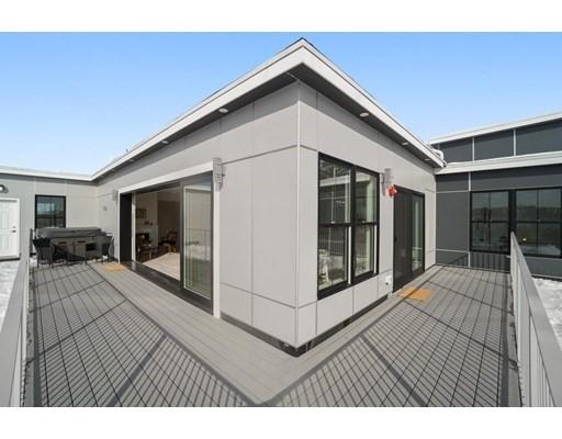 11 Oak Grove Terrace #PH, Quincy, MA 02169
