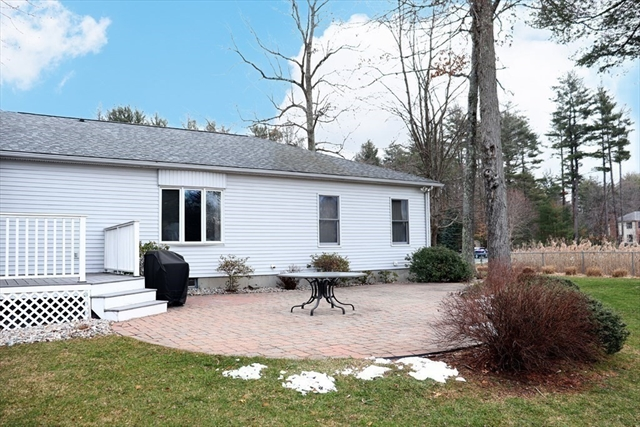 21 Sutton Place East Longmeadow MA 01028