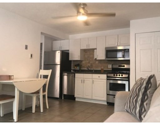1 Bed, 1 Bath home in Arlington for $289,900