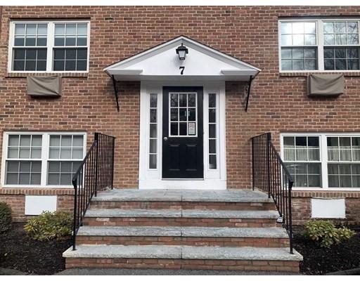 7 Colonial Village Dr #1, Arlington, MA 02474