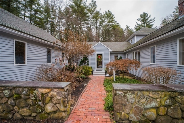 43 Noonhill Road Medfield MA 02052