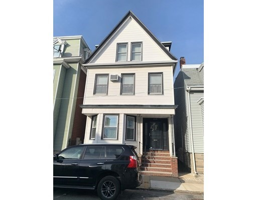 4 Beds, 3 Baths home in Boston for $799,900