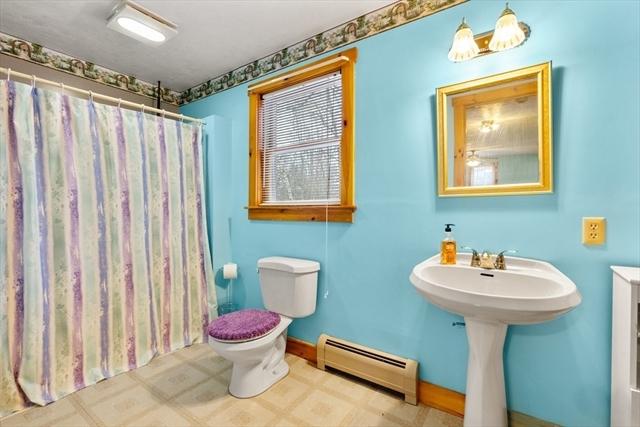 31 Devils Lane Brimfield MA 01010