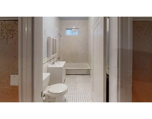 Pictures of  property for rent on Francis St., Everett, MA 02149
