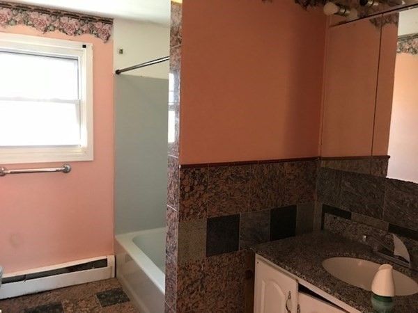 114 - 1/2 Southgate Street Worcester MA 01603