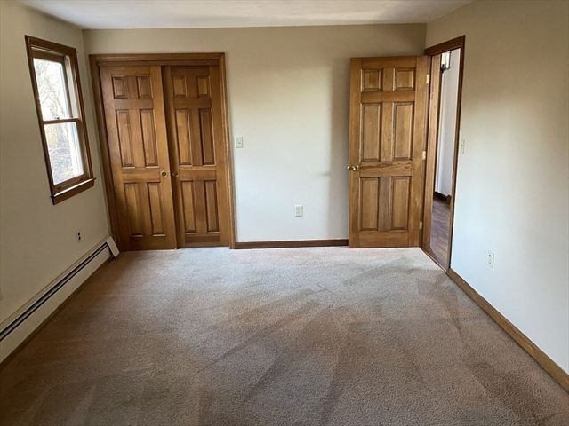 18 Powder House Lane Leominster MA 01453