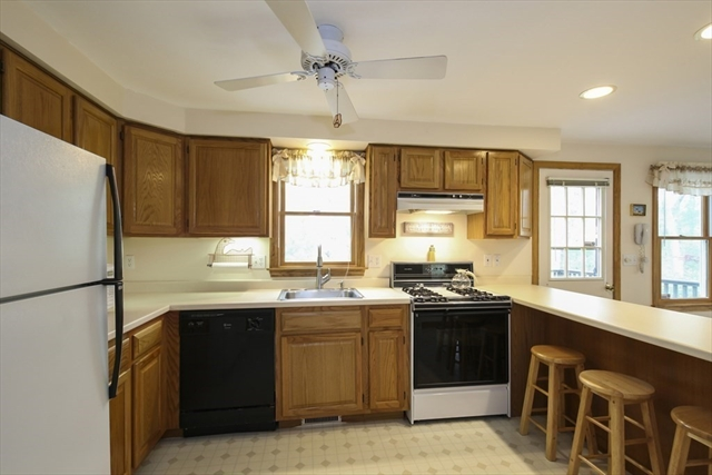 68 Fox Run Lane Falmouth MA 02536