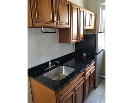 2 Beds, 1 Bath apartment in Boston, Fenway for $2,595