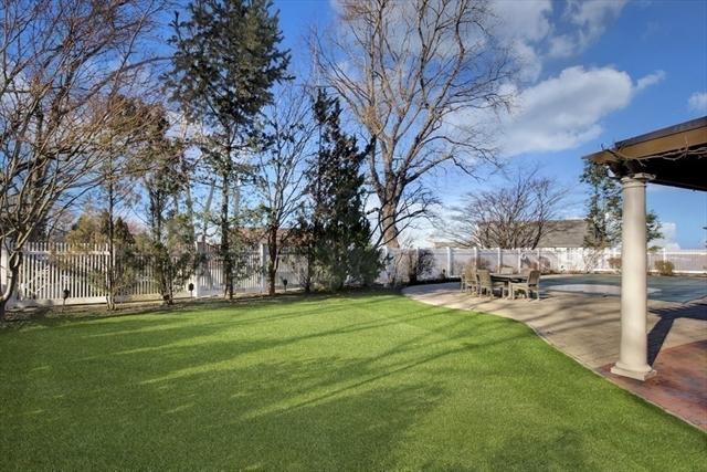 39 Crestwood Road Marblehead MA 01945