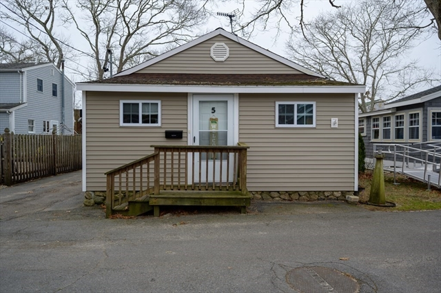 5 Woodland Circle Wareham MA 02571