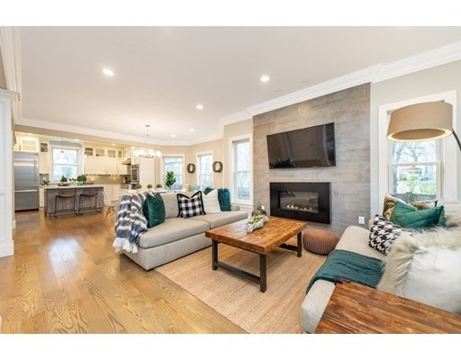 8 Manton Terrace, Brookline, MA 02446