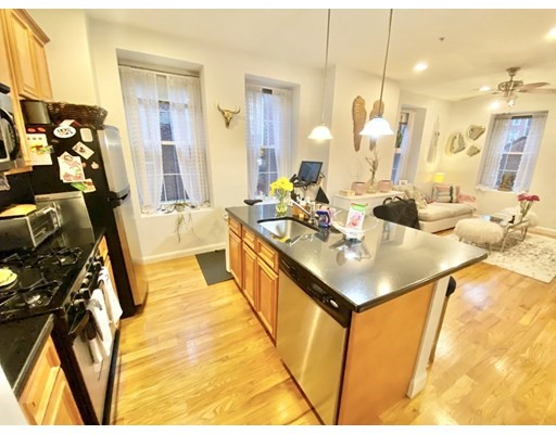 Pictures of  property for rent on North Bennet St., Boston, MA 02113
