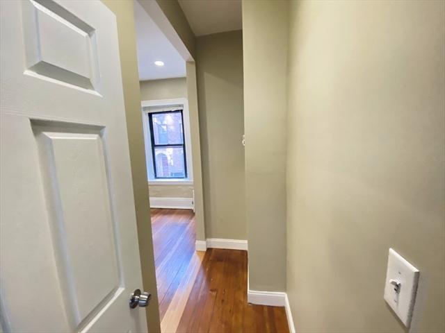 63 Phillips Street Boston MA 02114