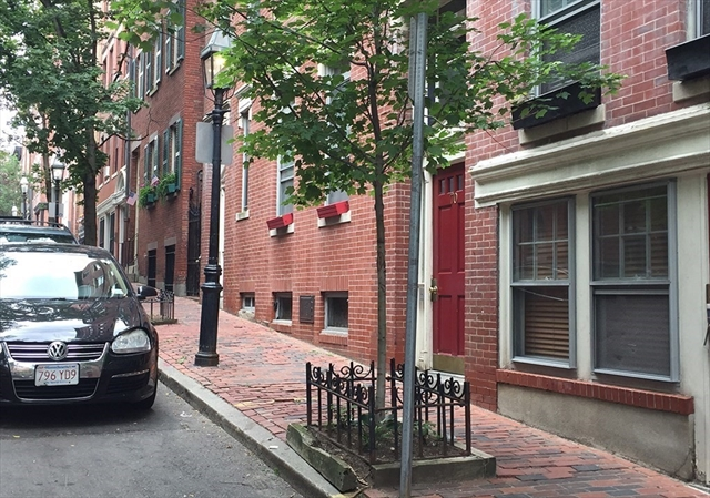 68 Phillips Street Boston MA 02114