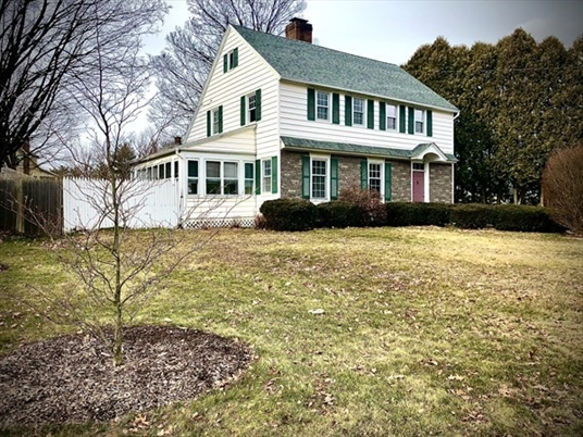 194 High St, Greenfield, MA<br>$289,900.00<br>0.29 Acres, 4 Bedrooms