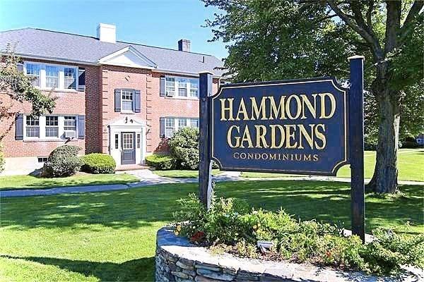 35 Hammond Pond Parkway Newton MA 02467