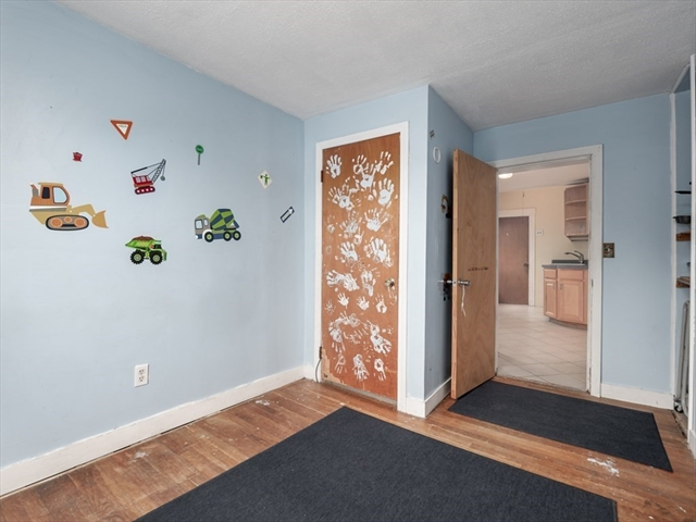 39 Julia Avenue Franklin MA 02038