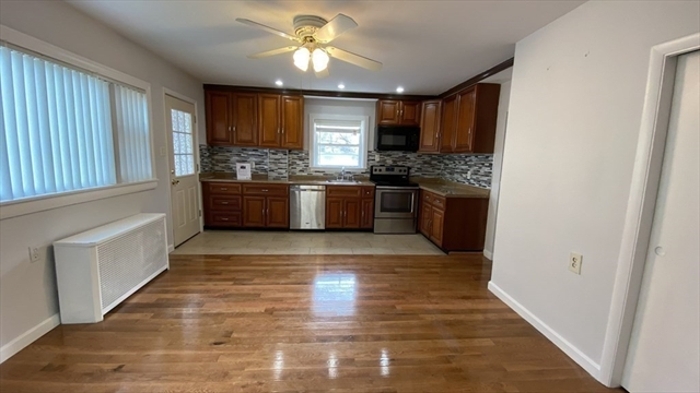 238 Crawford STEET Lowell MA 01854