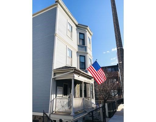 3 Bellflower St, Boston - Dorchester, MA 02125