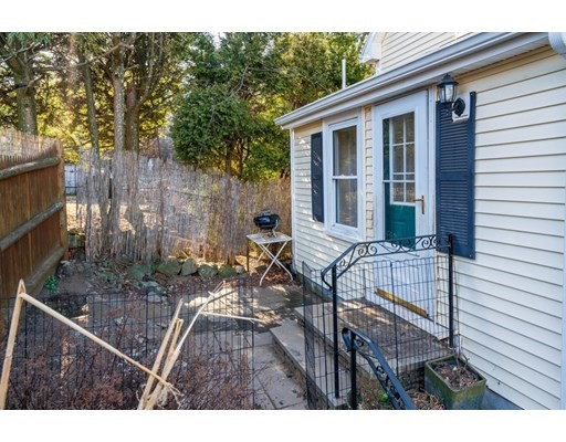 2 bed, 1 bath home in Arlington for $529,000