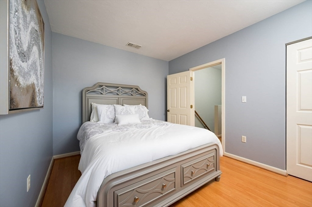 570 White Cliff Drive Plymouth MA 02360