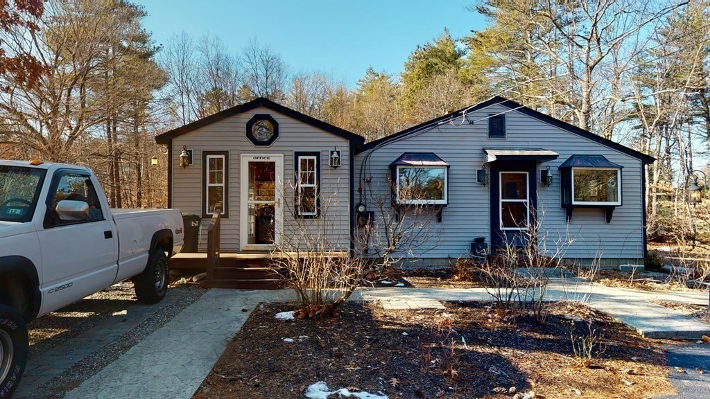 Photo of 25 Depot Rd Epping NH 03042