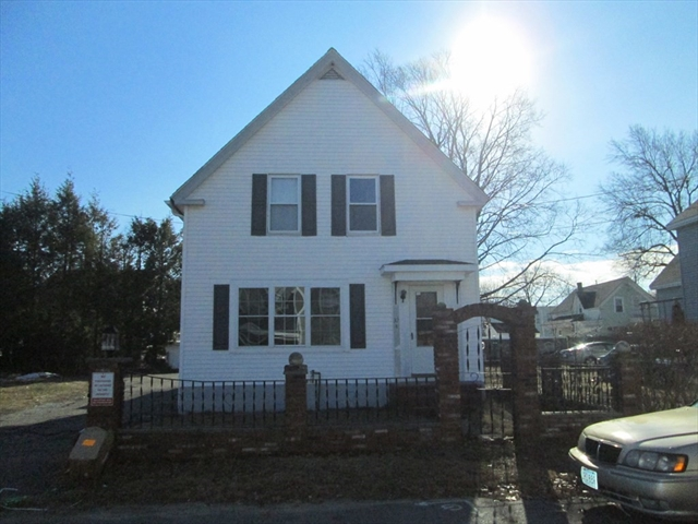 32 Marriner STEET Lowell MA 01852