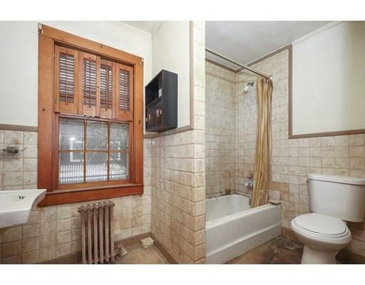 24 Standish Street, Provincetown, MA 02657