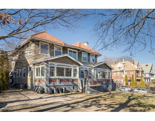 11 Beds, 5 Baths home in Boston for $2,999,000