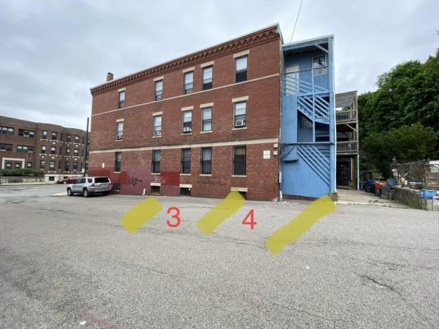 872 parking at huntington Avenue Boston MA 02115