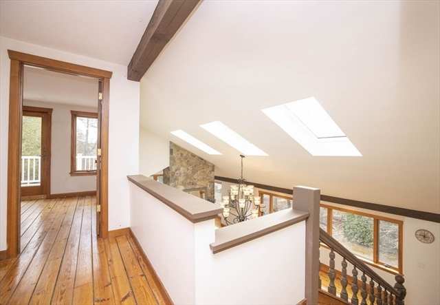 10 Meadow Neck Road Falmouth MA 02536