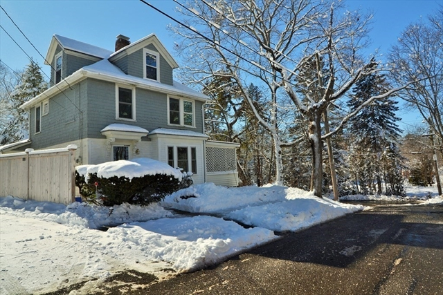 16 Lakeview Avenue Beverly MA 01915
