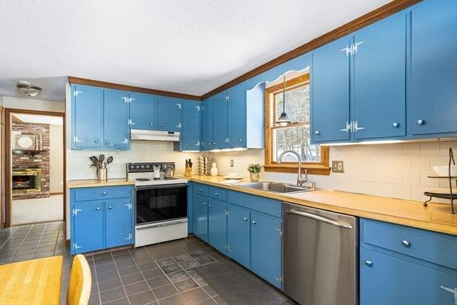 4 Cannongate Road Tyngsborough MA 01879