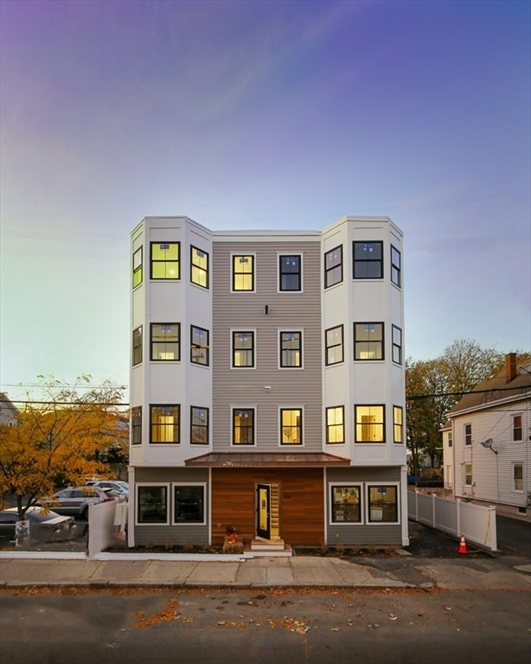 208 Spencer Ave, Chelsea, MA Image 11