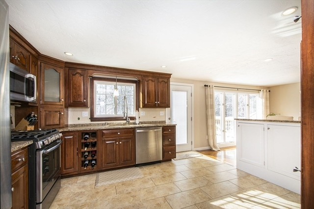 44 Old Pottery Lane Norwell MA 02061