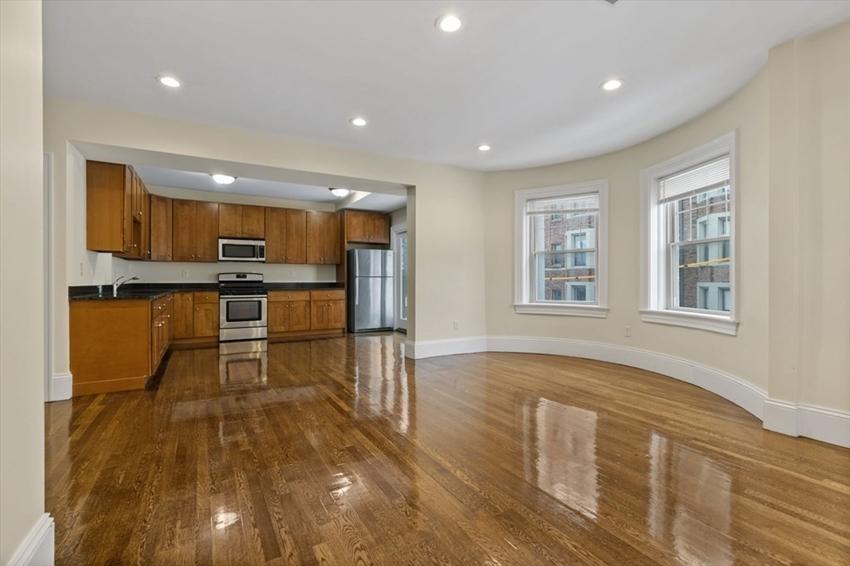 29 Commonwealth Terrace, Boston, MA Image 13