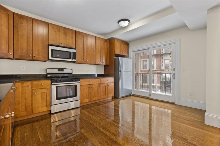 29 Commonwealth Terrace, Boston, MA Image 3