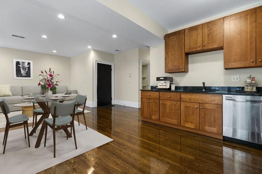 29 Commonwealth Terrace, Boston, MA Image 6
