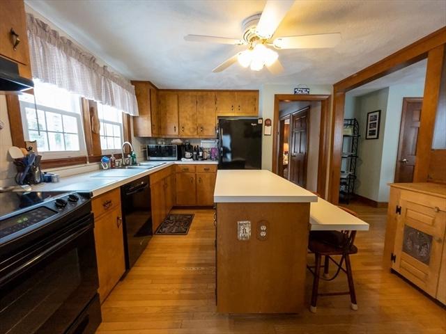 27 Oak Street Foxboro MA 02035