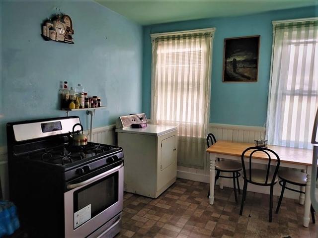 49 Woodland Worcester MA 01610
